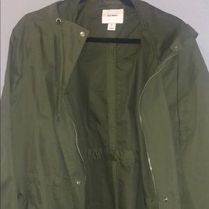 Size XL Old Navy rain/weather jacket with pockets
